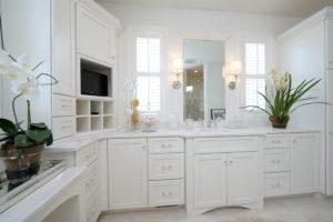 Charming white master bath